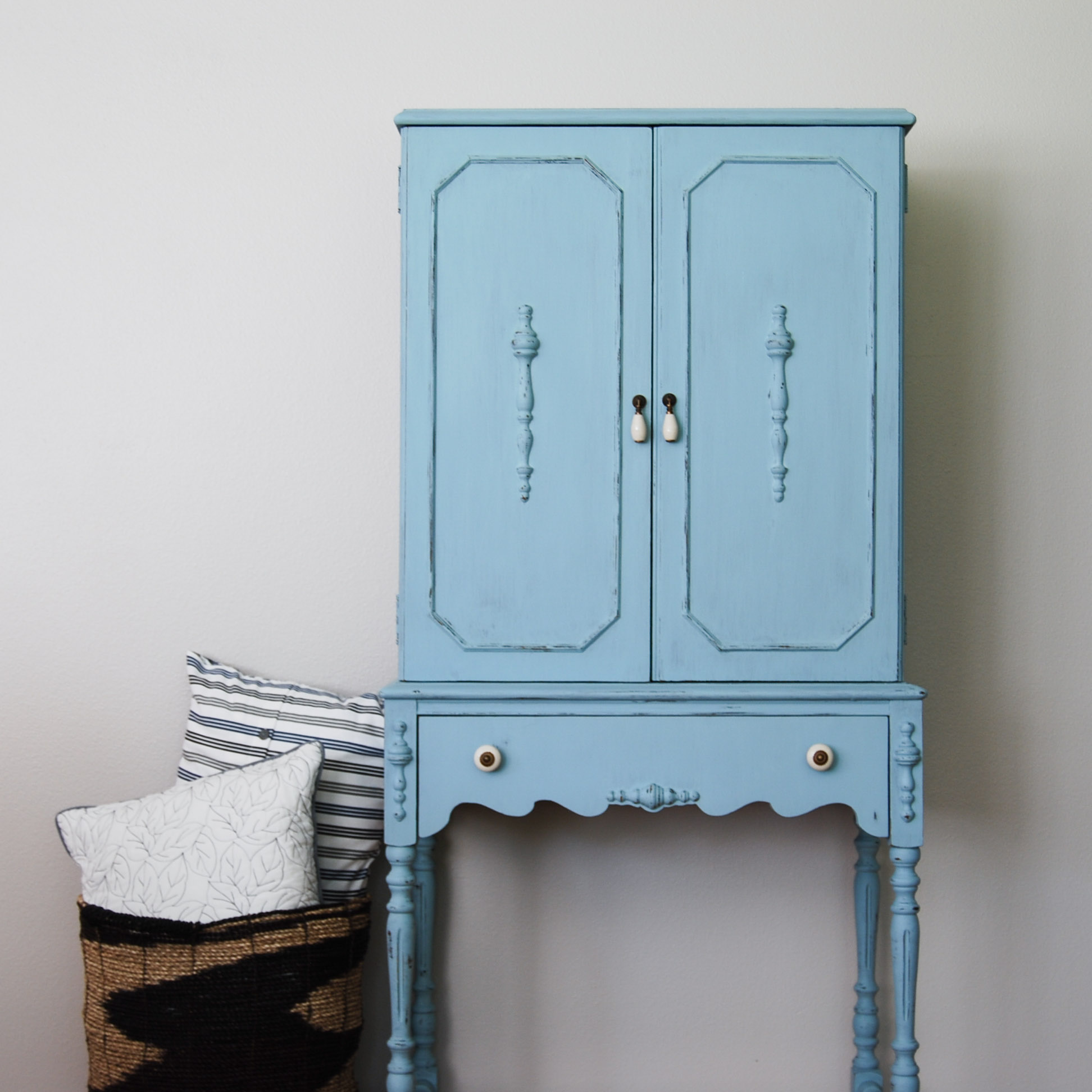 How Long For Paint To Dry Before Cabinet